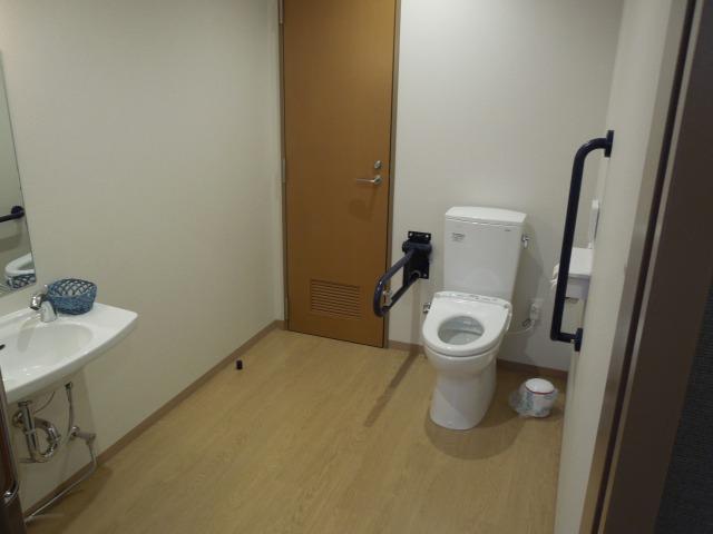 病棟 身障者トイレ